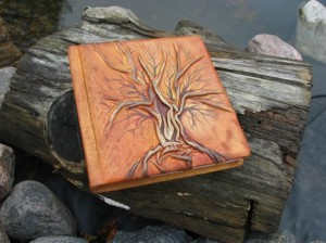 Beautiful leather tree journal made by Crearting
