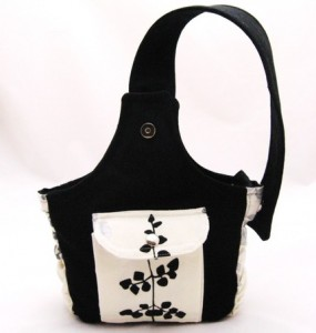 Fuchst's adorable wristlet/shoulder bag